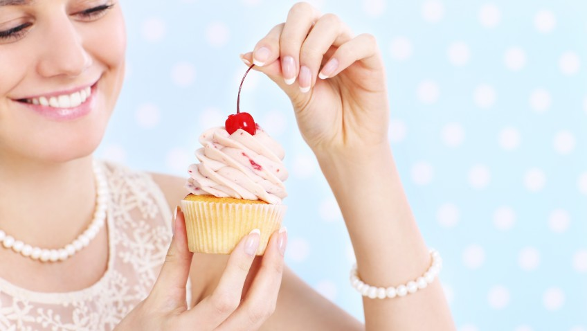 Nutrition|Weight Loss|Eating Psychology Woman-eating-a-cupcake-848x478 Eating Disorder Food Health nutrition