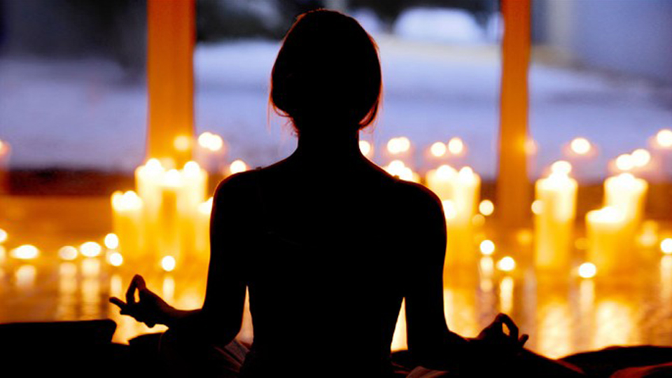 Candle Light yoga class with live music,hamilton