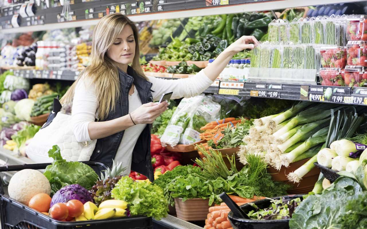 How you can save money when adopting healthy eating habits