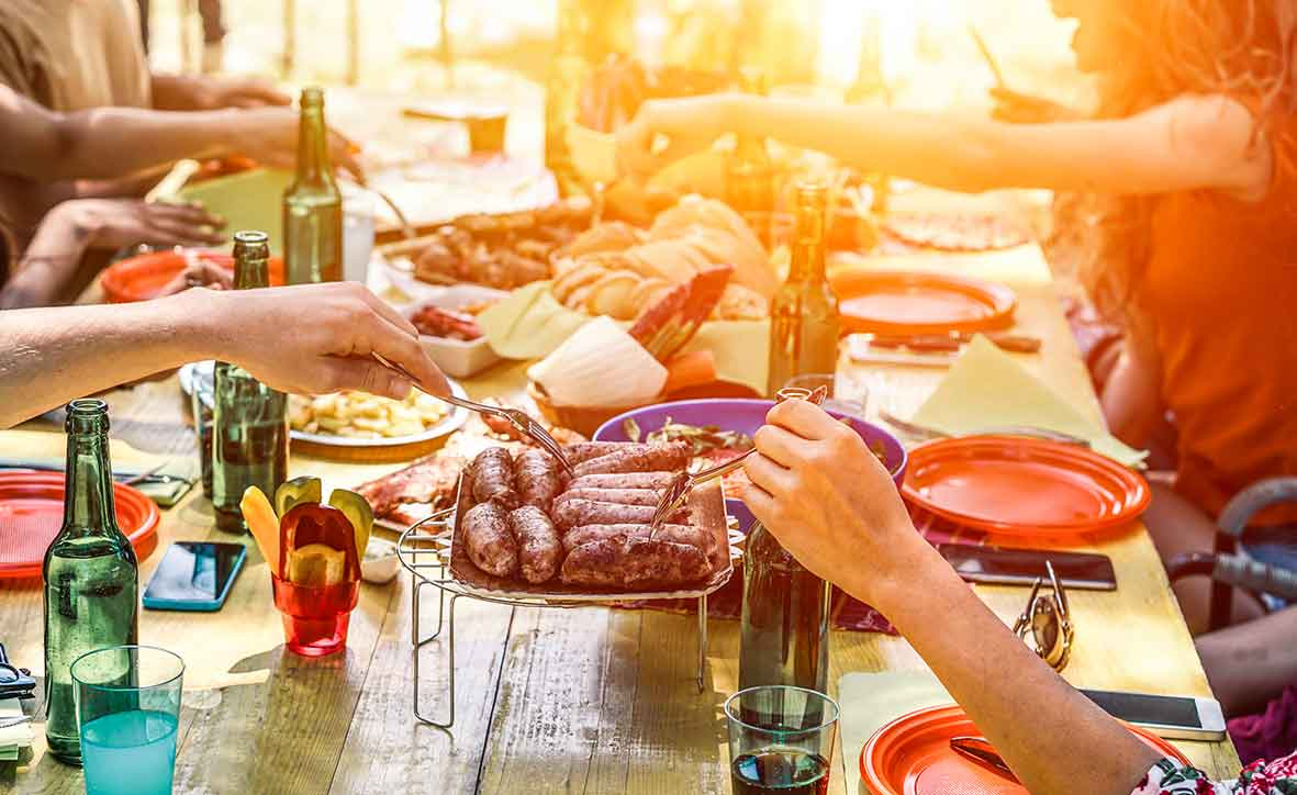 how not to overeat in social situations and enjoy food