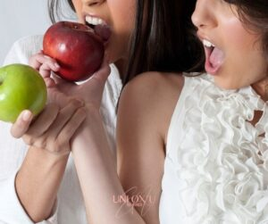Nutrition|Weight Loss|Eating Psychology blog-small-2-Nutrition-Mistakes-That-Cause-You-To-Overeat-copy-300x251 cravings Food cravings nutrition Reduce Sugar